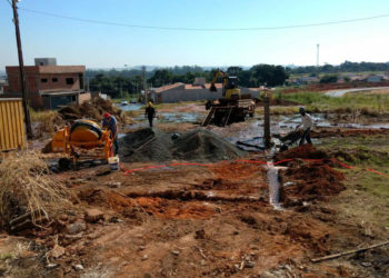 Serviço de cercamento de prédio do Saema ocasiona falta de água
