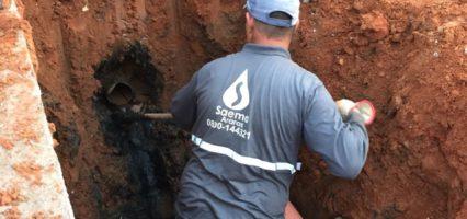 Saema soluciona vazamento de esgoto no Residencial Arnaldo Mazon