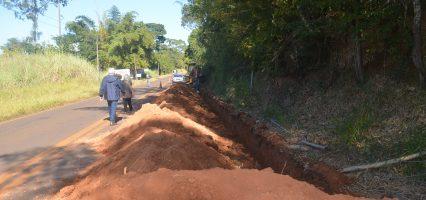 Presidente do Saema acompanha obras da nova rede de água no Elihu Root